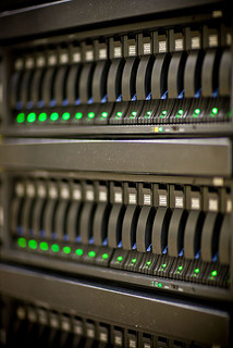 Infographic: 12 Tips for Selecting a Data Centre