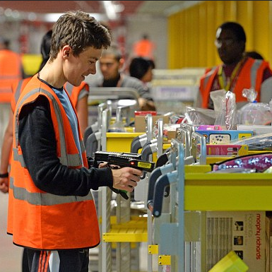 Amazon Fast Tracks Warehouse Staff Training