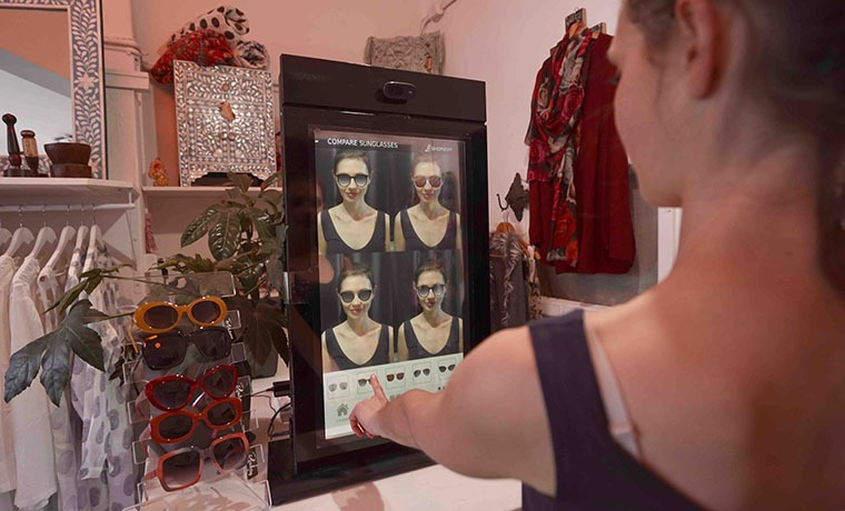 Looking Good! 'Smart' Mirrors to Revolutionise the Shopping Experience
