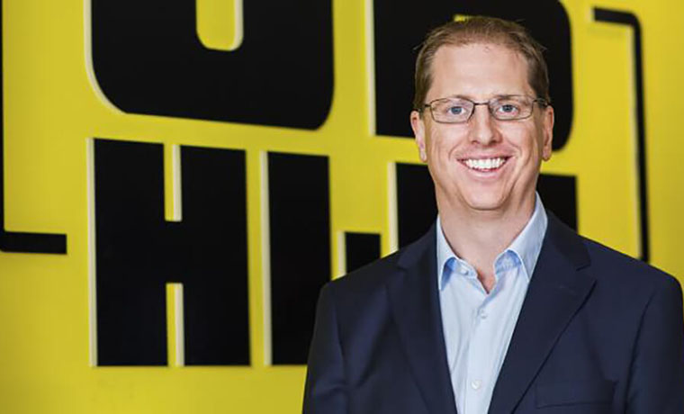 JB Hi-Fi Defies Predictions with Soaring Growth in Online Sales